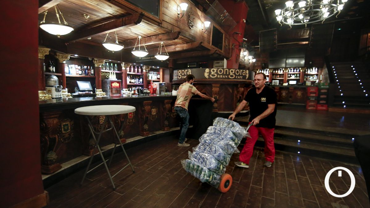 Preparativos para la reapertura de Góngora Gran Café