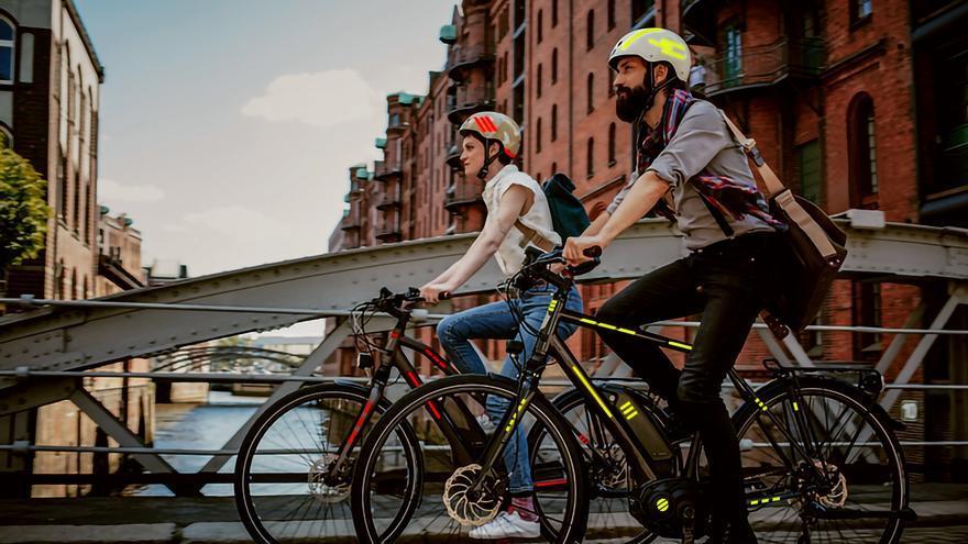 Nuevas cintas reflectantes mejoran la visibilidad de los ciclistas
