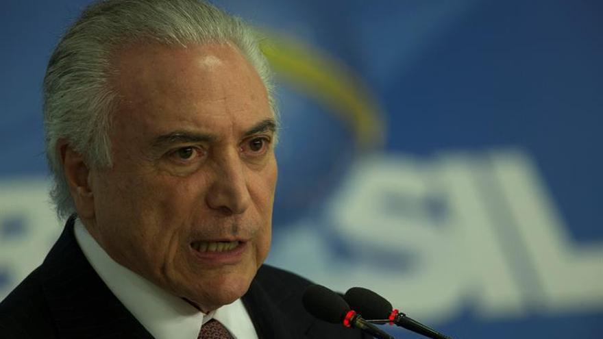 """Temer destaca recuperación económica de Brasil y admite """"adversidades"""""""