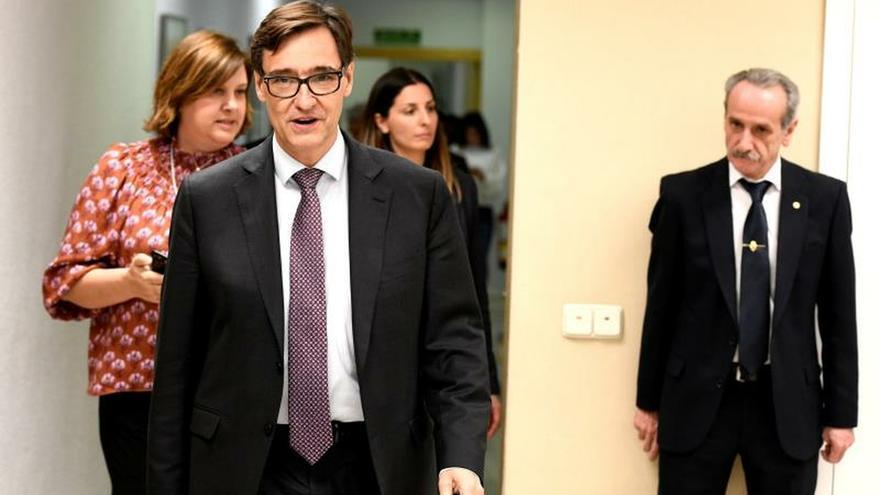 El ministro, a la entrada a la rueda de prensa en la que ha anunciado las nuevas medidas.