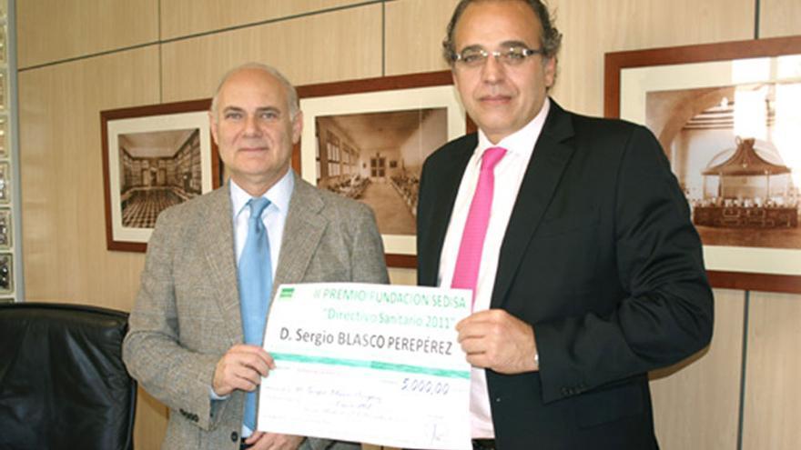 El gerente del Hospital Provincial de Valencia, Sergio Blasco (a la derecha)
