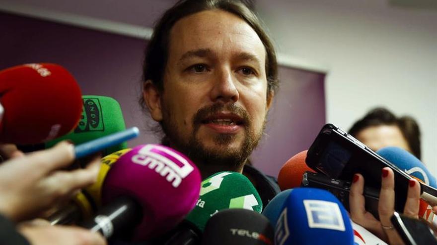Iglesias cree que la renuncia de Aznar destapa el debate interno en el PP