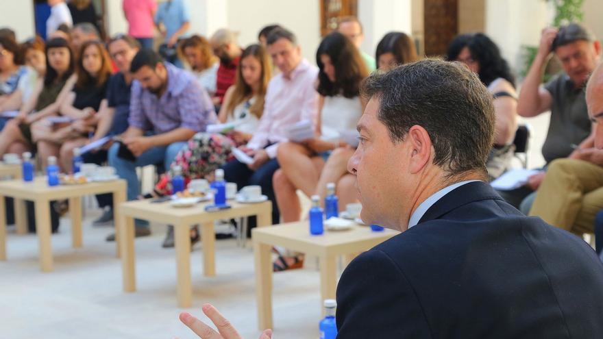 Emiliano García-page, hoy en Fuensalida, con periodistas de toda la región