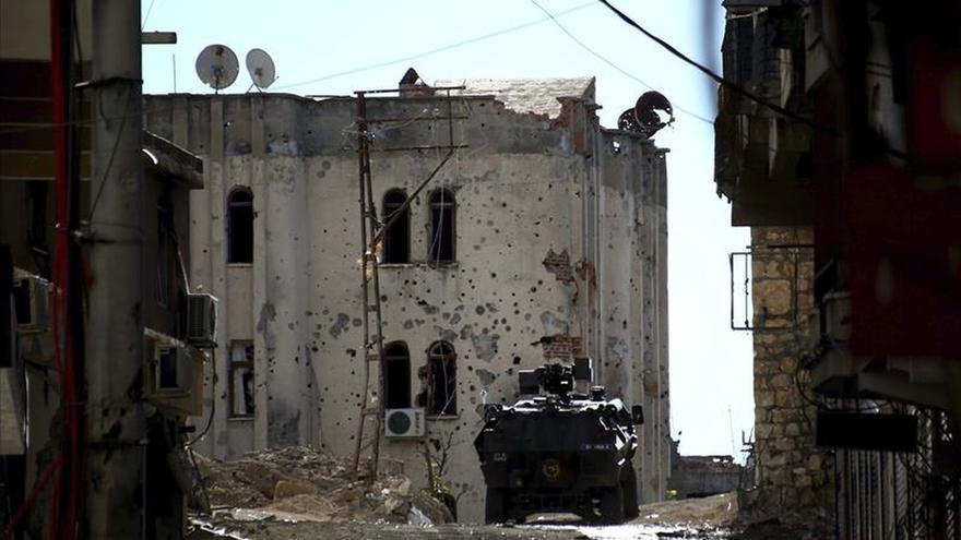 Mueren tres policías turcos en un ataque de la guerrilla kurda
