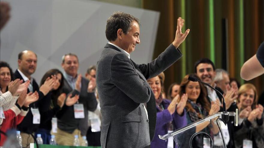 Zapatero afirma que la reforma de la Constitución evitó un Gobierno técnico