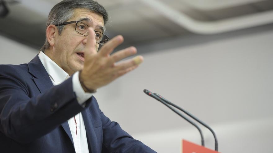 """López advierte a Echávarri: """"Si alguien tiene una imputación tendrá que adoptar las decisiones que corresponden"""""""