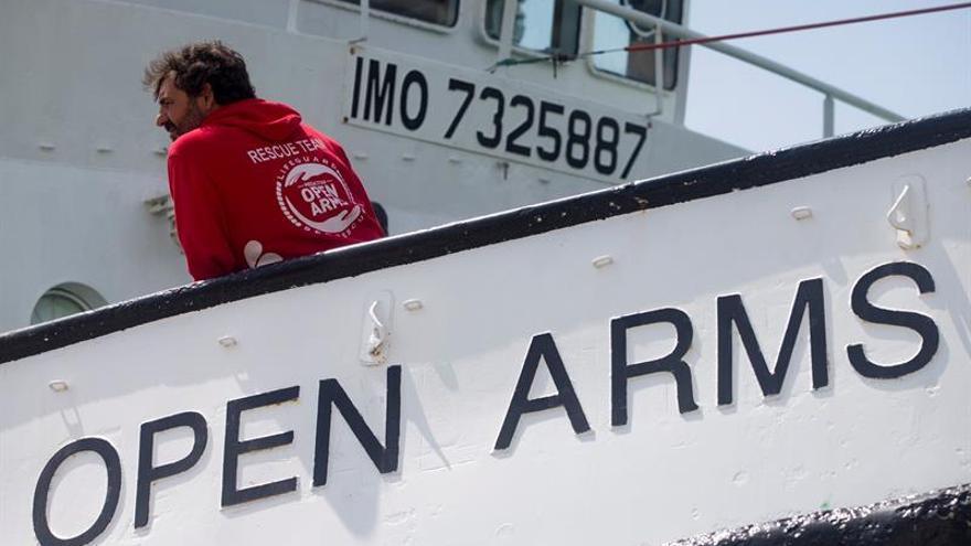 El barco de Open Arms retoma los rescates en el Mediterráneo central
