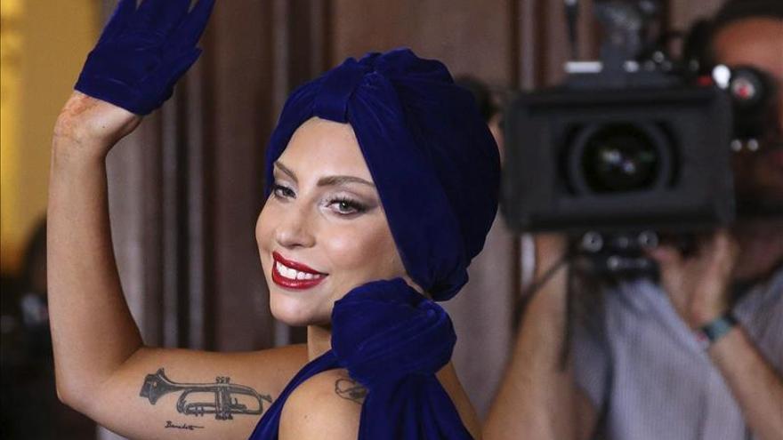 Lady Gaga derrama sobre Barcelona su cóctel de espectáculo y autoayuda