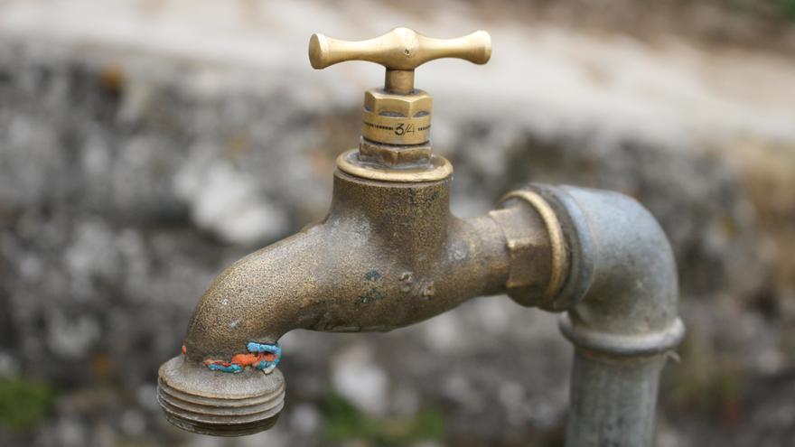 Diez estructuras administrativas están implicadas en la gestión del agua en Huesca