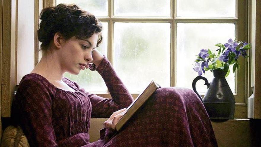 Anne Hathaway como la joven Jane Austen que descubría autoras
