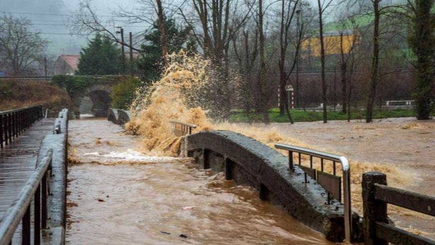 La UME traslada a Cantabria 120 efectivos para ayudar en inundaciones
