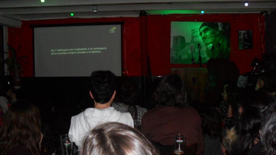 Emisión de 'Ciutat Morta' en el bar La Rouge del Raval