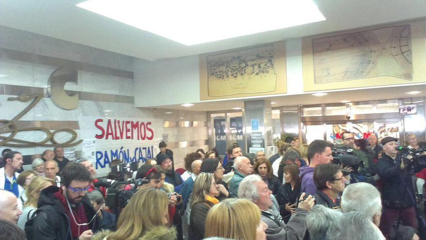 Encierro contra los recortes en el Hospital Ramón y Cajal de Madrid
