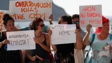 Protesta en contra de Woody Allen en Donostia