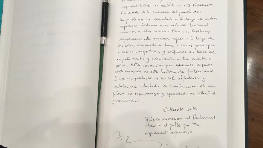 Dedicatoria escrita por Torrent al Parlamento Vasco