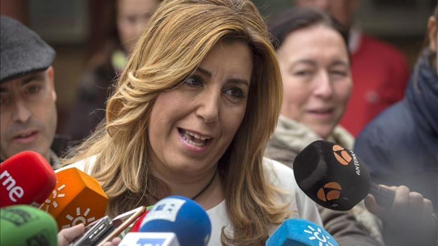 Susana Díaz dice que la política de pactos la decide el Comité Federal