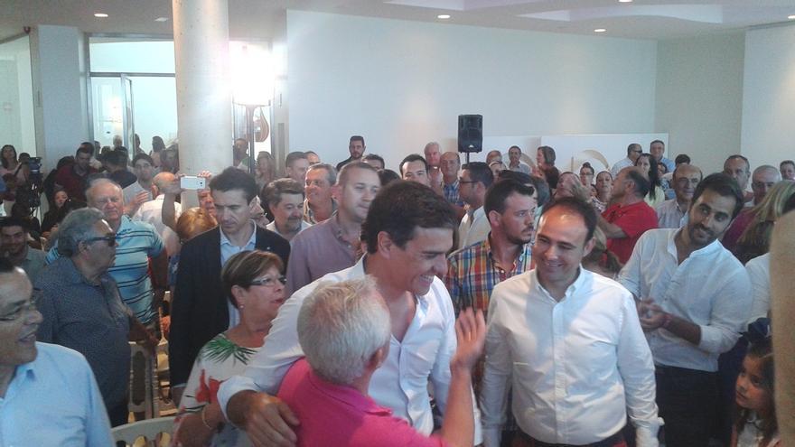 """Sánchez dice que comparte con Carmena que el 15M debe manifestarse """"otro día"""""""