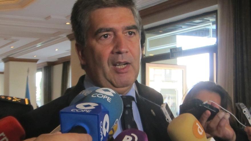 Cosidó afirma que los terroristas que atentaron en París no han tenido ninguna relación con España