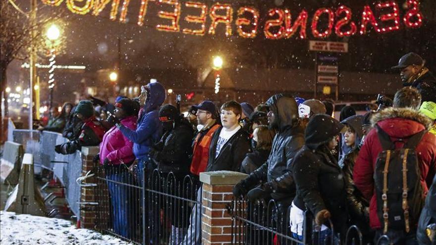 Ferguson celebra sin incidentes un Día de Acción de Gracias muy solidario