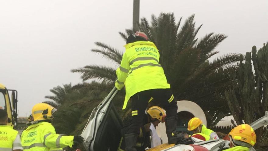 Vuelca su vehículo en Gran Canaria (Canarias Ahora)