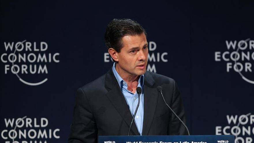 Peña Nieto dice que el combate a la corrupción es insuficiente sin un cambio cultural