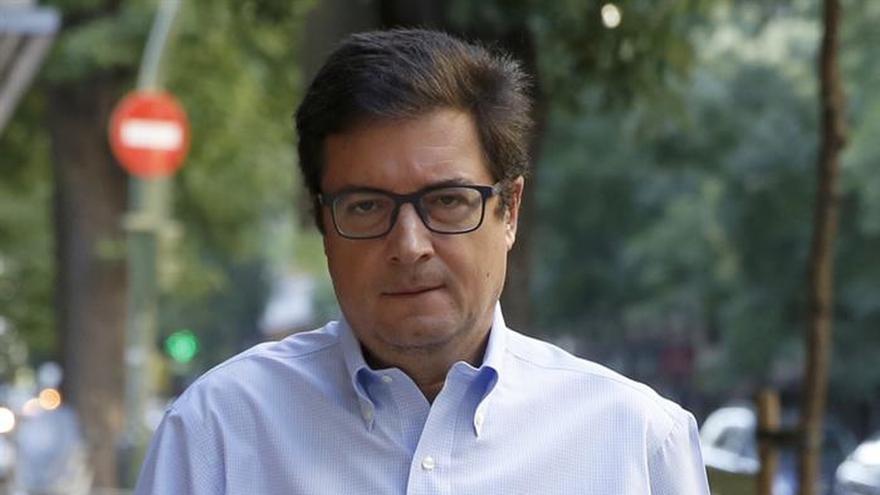 """López pide al PP que """"por el buen nombre"""" del Senado actúe contra Barberá"""