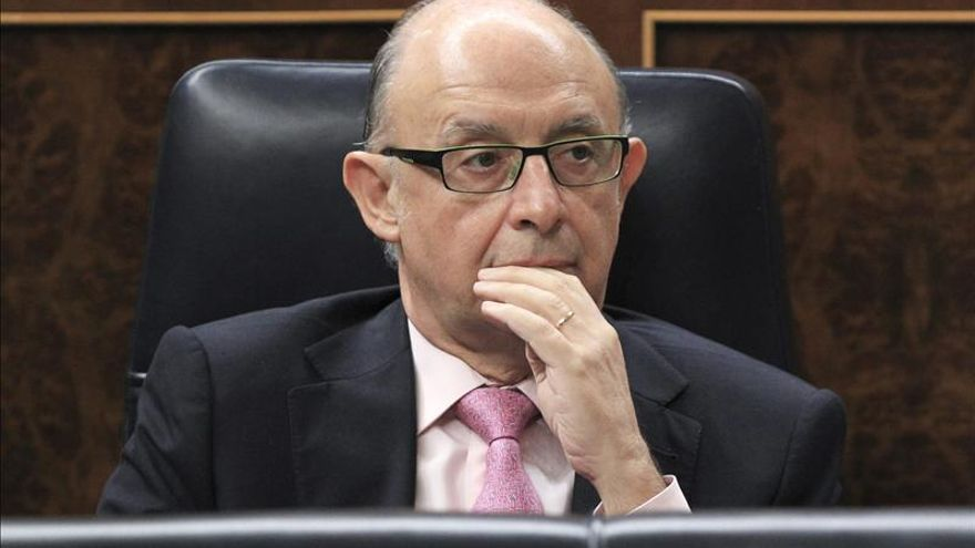 """Castilla y León critica que Montoro se reúna con """"díscolos"""" y pida al resto solidaridad"""