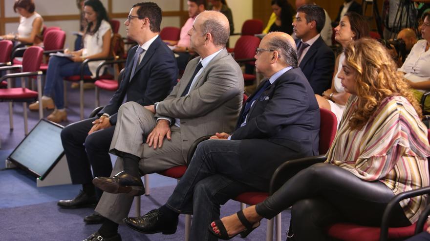 Los miembros del Ejecutivo de Fernando Clavijo