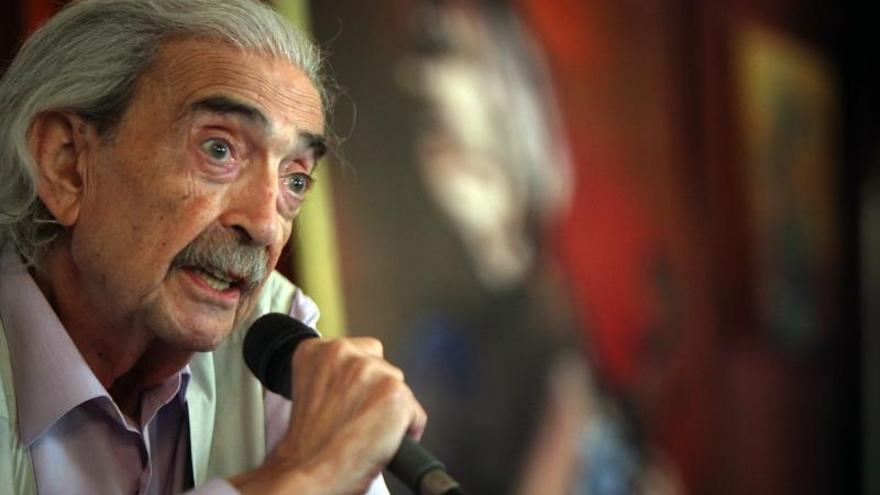"""Con la muerte de Gelman """"se derrumba una muralla de amor"""" dice poeta panameño"""