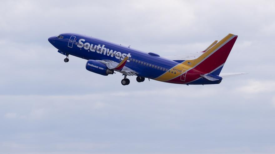 La aerolínea Southwest Airlines vuelve hoy a Bahamas con un vuelo desde Washington, mientras que JetBlue reanudará su servicio diario entre Nueva York y Nassau, al igual que Delta Air Lines desde Atlanta, que vuela dos veces al día en esa ruta.