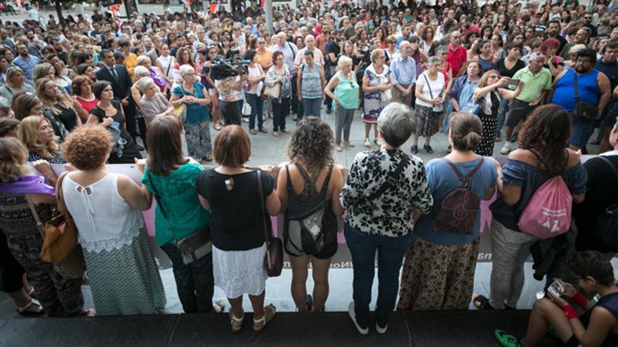 Concentración en Zaragoza contra la violencia machista (foto de archivo)