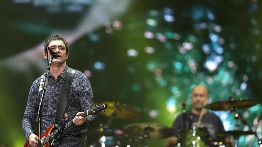 La banda Skank atrae a una multitud en la apertura del segundo día de Rock in Río