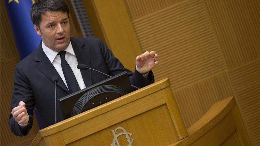 """Renzi defiende el """"nuevo protagonismo italiano"""" y su plan de reformas"""