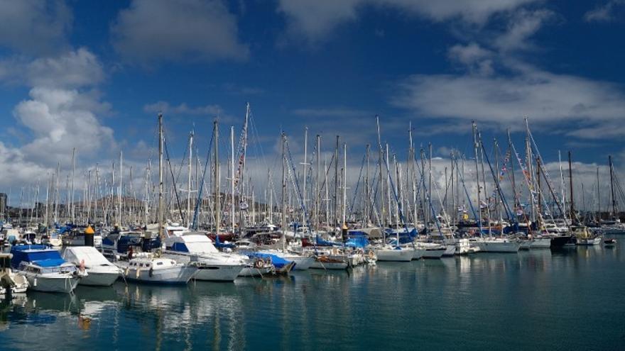 Imagen de algunos de los veleros atracados en la capital grancanaria. (Página oficial lpavisit.com).