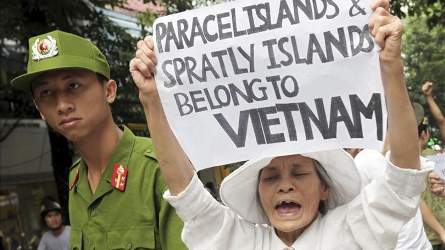 China exige a Filipinas y Vietnam que detengan sus obras en islas disputadas