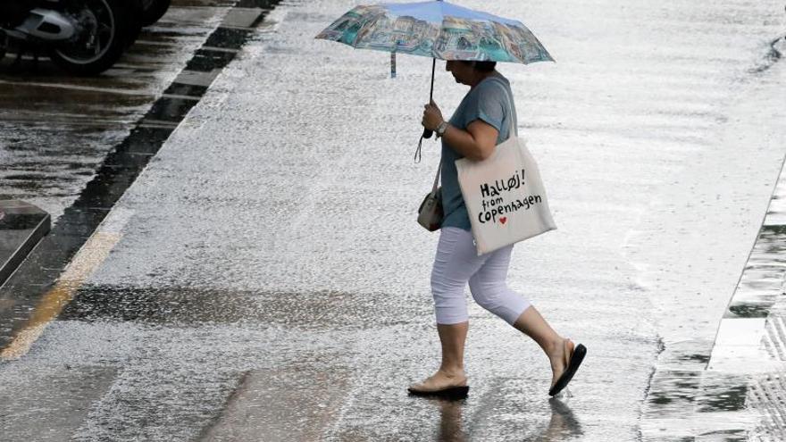Lluvias y tormentas acompañadas de granizo ponen en alerta a 38 provincias