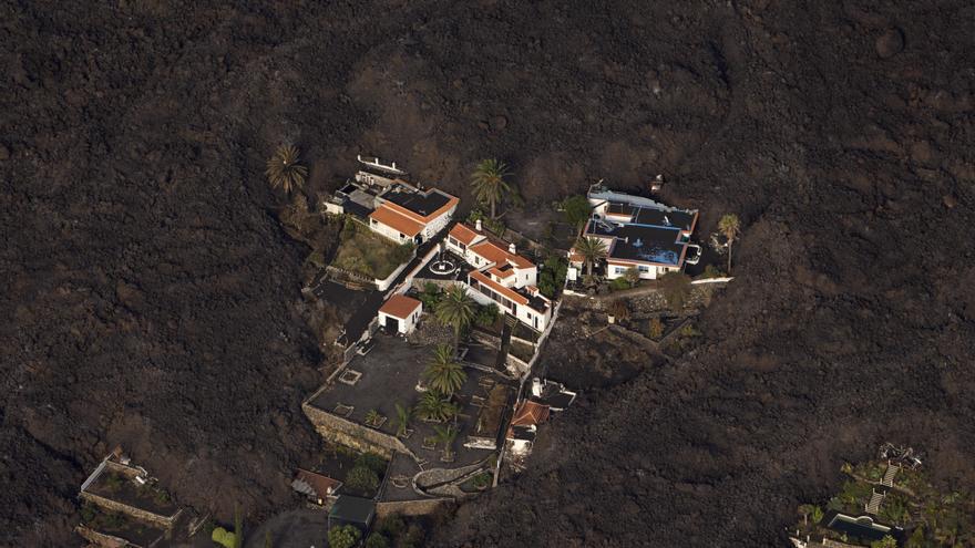 Una edificación que sobrevivió al volcán de La Palma.