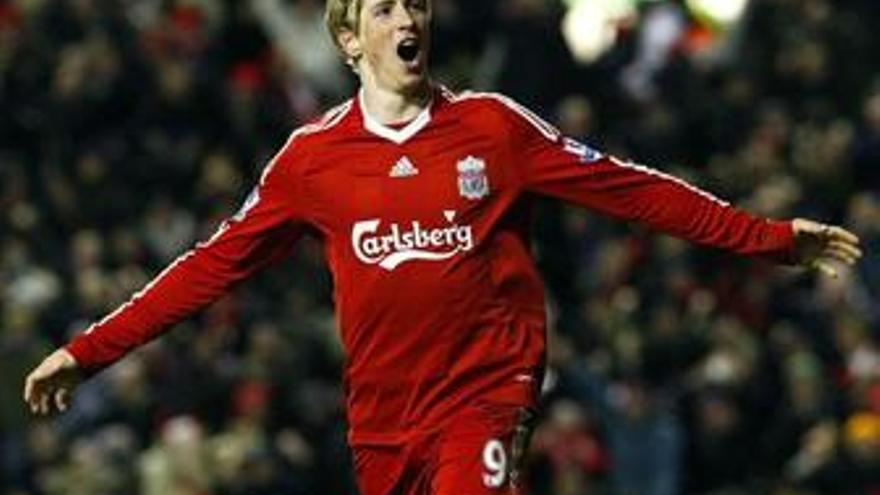 El Liverpool se agarra a Torres para firmar su mejor registro goleador en 115 años