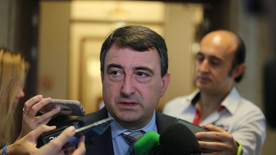 El PNV espera que el Parlamento vasco haga una propuesta potente sobre el derecho a decidir tras pactar con el PSE