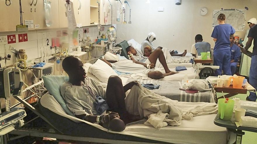 Región de Tsiroanomandidy (Madagascar) - Sala de recuperación del buque quirúrgico 'Africa Mercy'. | MANOLO ARRABAL