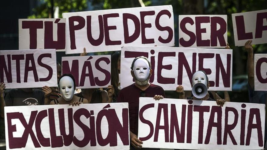 El PSOE considera inaceptable amenazar por devolver las prestaciones sanitarias