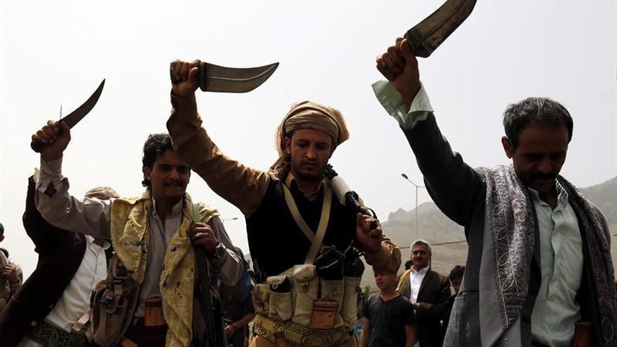 La coalición árabe destruye una base militar estratégica cerca de Saná