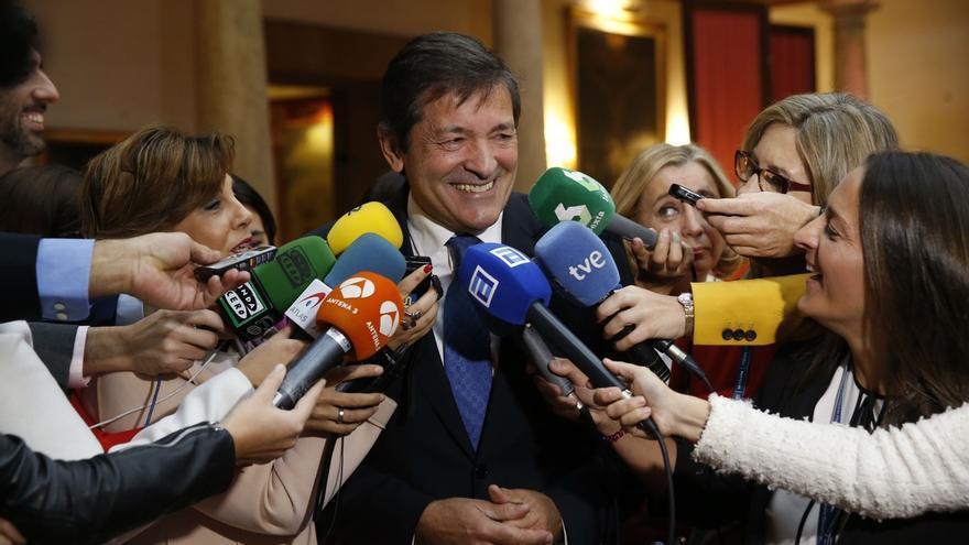 """Fernández apuesta por la abstención en segunda votación para mostrar """"su rechazo a las políticas"""" de Rajoy"""