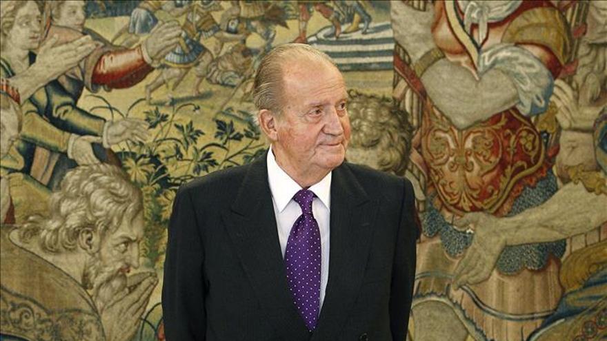 El Rey entrega el Premio FIES a Calvo-Sotelo por una reflexión sobre su reinado