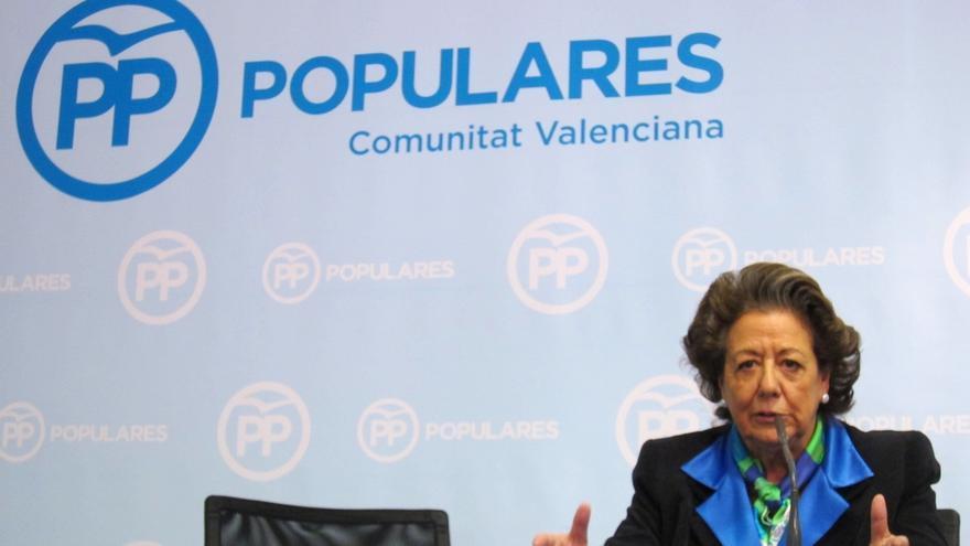 """Cospedal dice que el PP actuará con Barberá como con """"otros militantes"""" en la misma situación"""