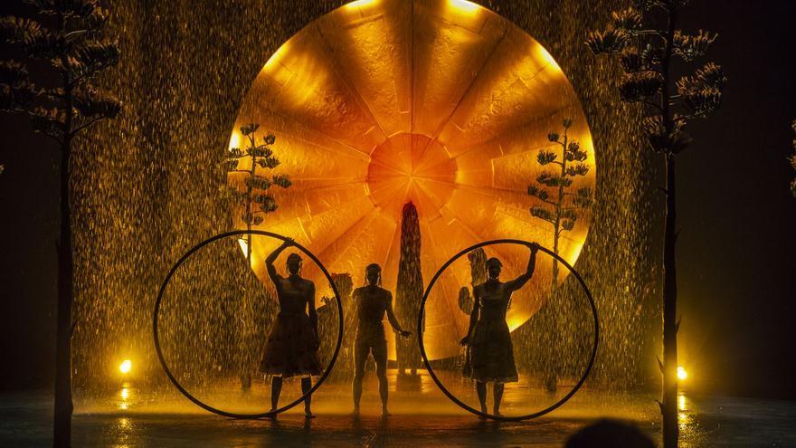 Escena bajo la lluvia en Luzia, el espectáculo del Circo del Sol que llegará a Gran Canaria en verano.
