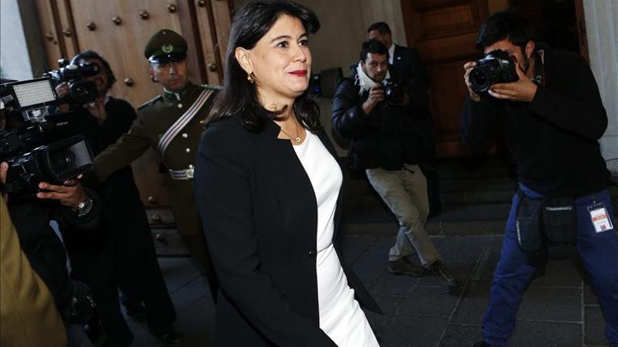 Ministra chilena advierte que no pagarán sueldos a funcionarios movilizados