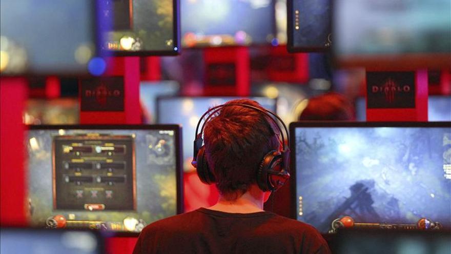 El acoso entre jóvenes en las redes, uno de los problemas más graves, según Protégeles