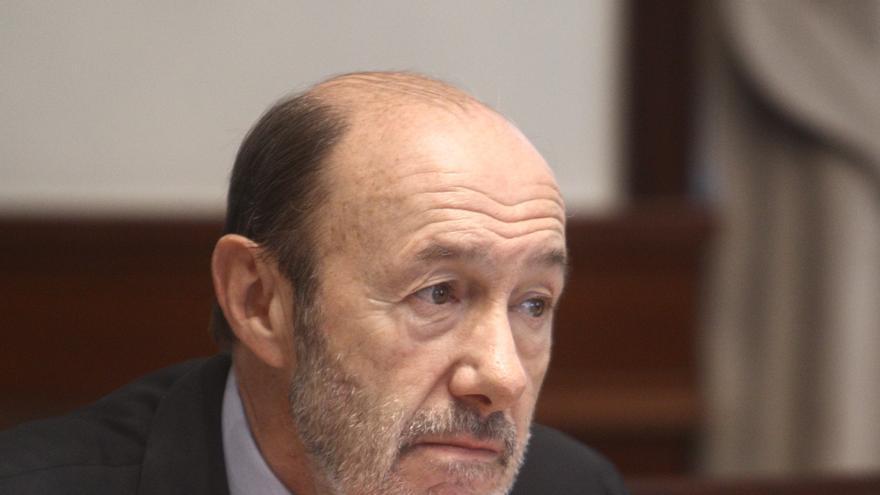 Rubalcaba augura que el Gobierno no compensará el IPC a las pensiones y no lo anunciará hasta después del 21-O