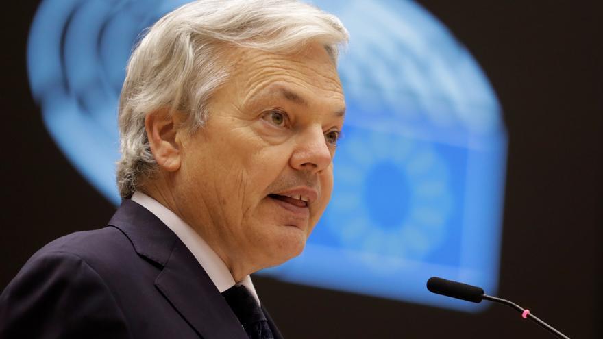 Bruselas recomienda desincentivar viajes no esenciales dentro y fuera de la UE